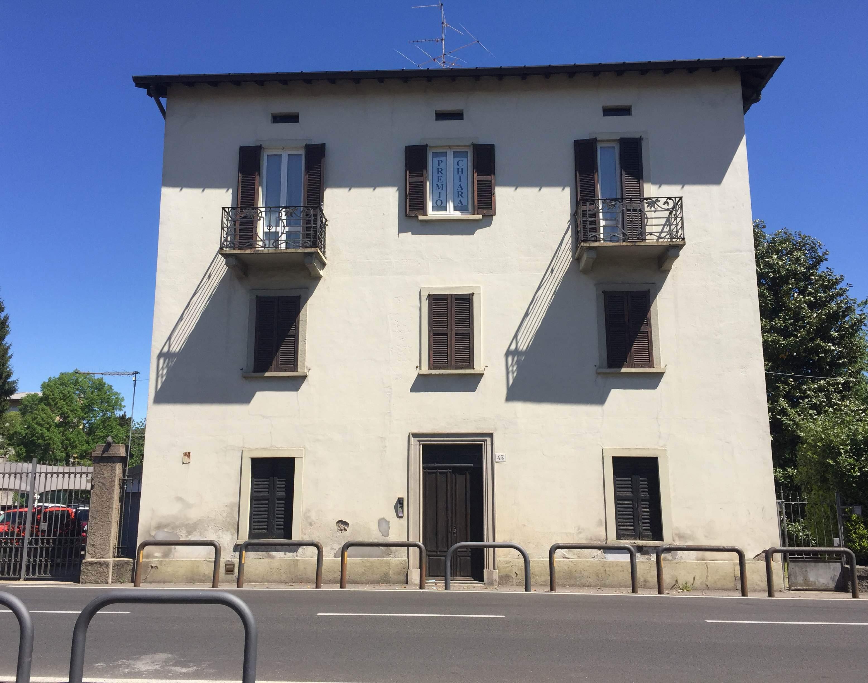 La nostra sede, al civico 45 di viale Belforte in Varese
