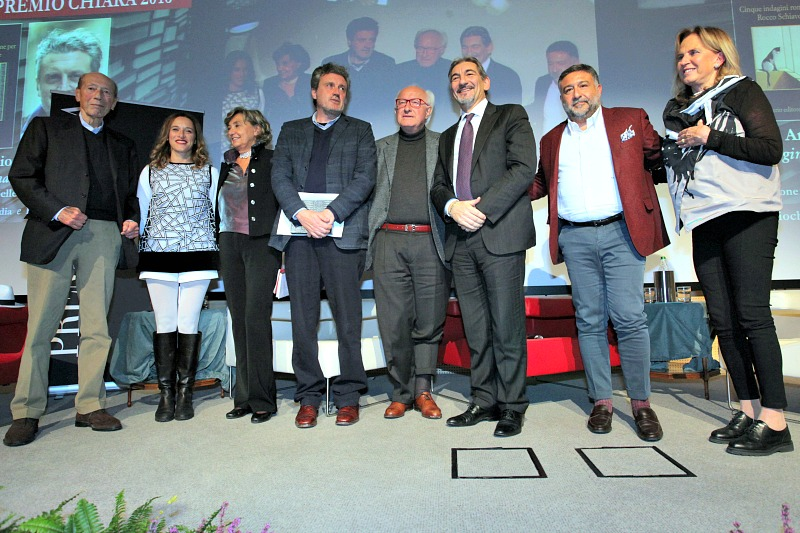 Foto di gruppo finale Premio Chiara 2016