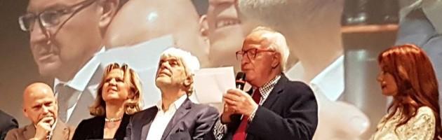 Consegnato a Valerio Massimo Manfredi il Premio Chiara alla carriera (da VareseNews)